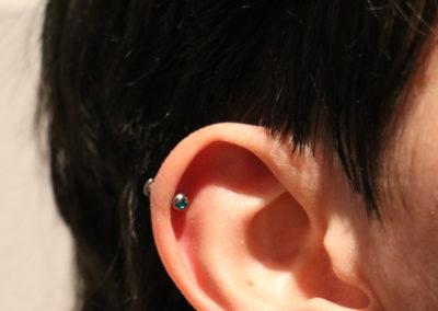 Helix Piercing, Labret mit Stein
