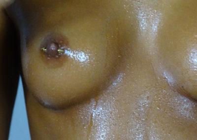 Nippel Piercing, vergoldete Cones