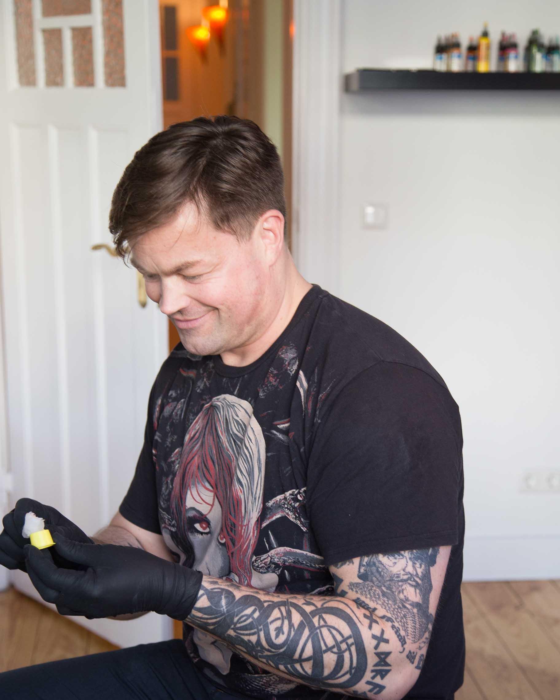 Bei Hakuna Ma Tattoo wird jede Session zum Erlebnis