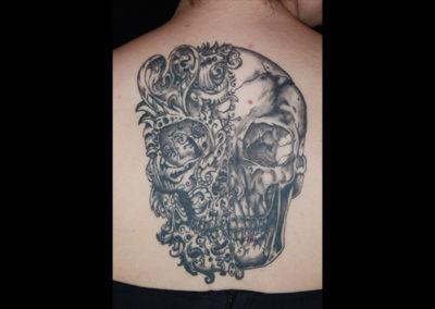 Tattoo Totenkopf tribal
