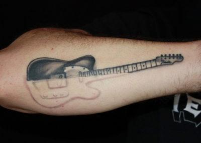 Tattoo Gitarre negativ